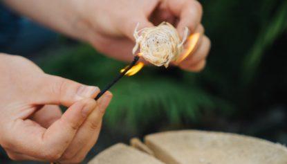 Розпалювачм з деревної вовни
